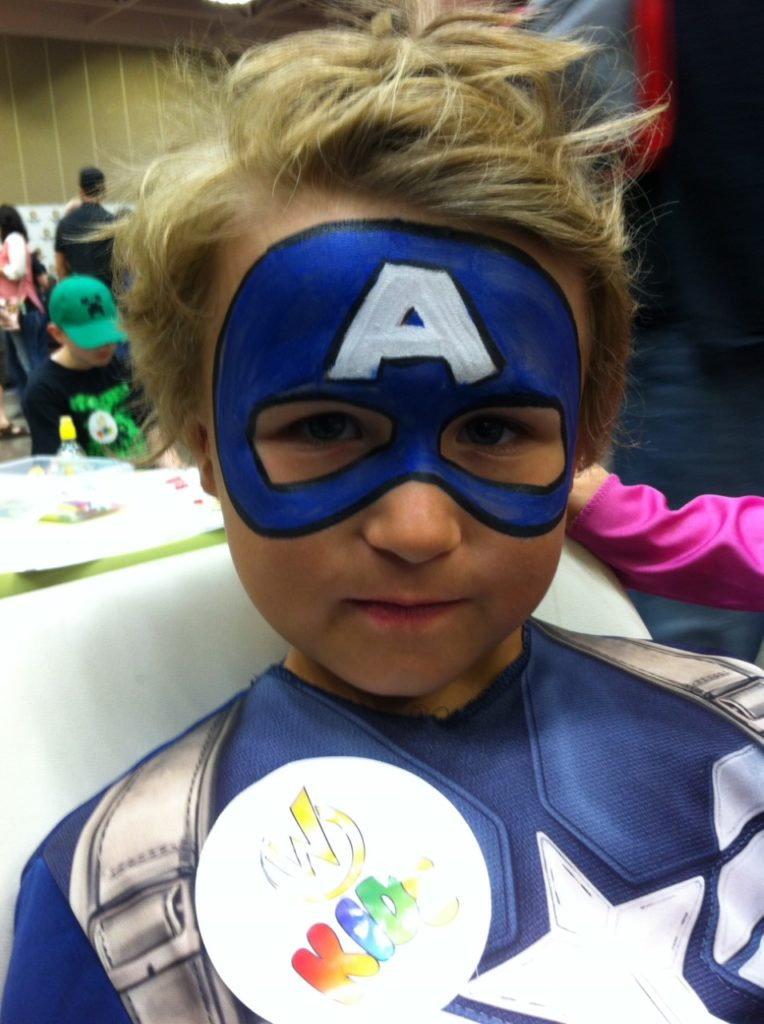 FacePainting of Captain America Wizard World